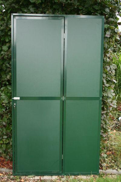 deurpaneel102x200cm  in groen alu met groene acp 3 mm  en cilinderslot