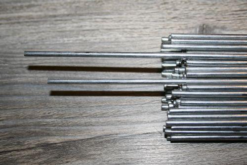 ronde verzinkte staafjes metaal  100cm