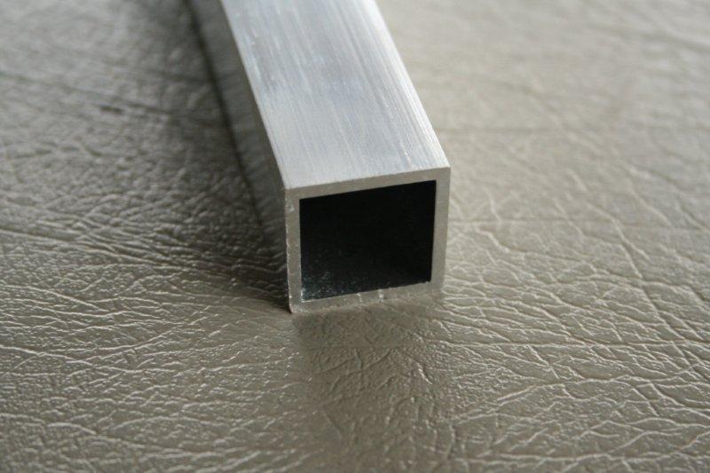 vierkante koker brut 15x15x1,5mm