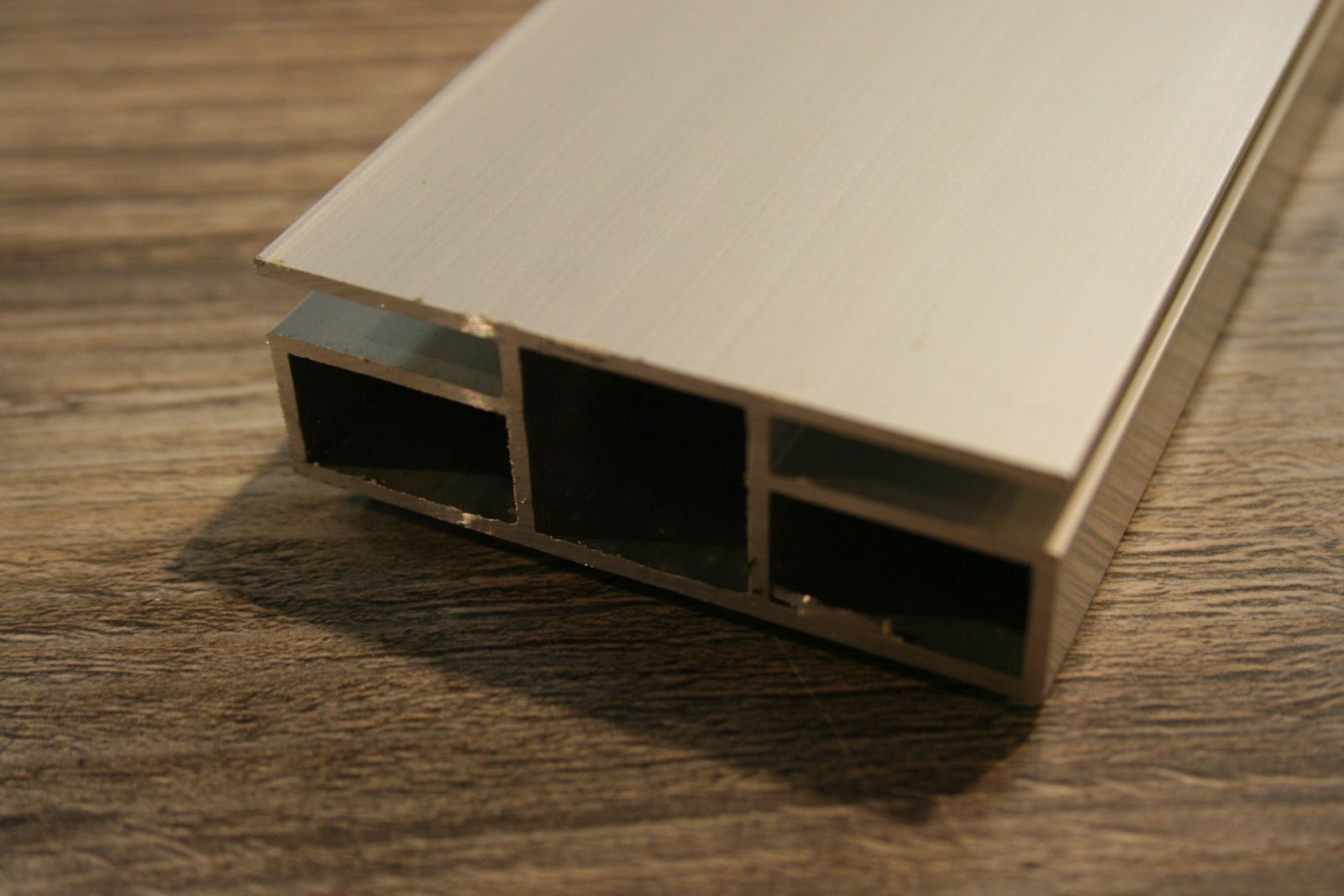 profiel 20x20mm met 2 flens profiel 5mm gaasmatten of platen tot 5mm in te plaatsen